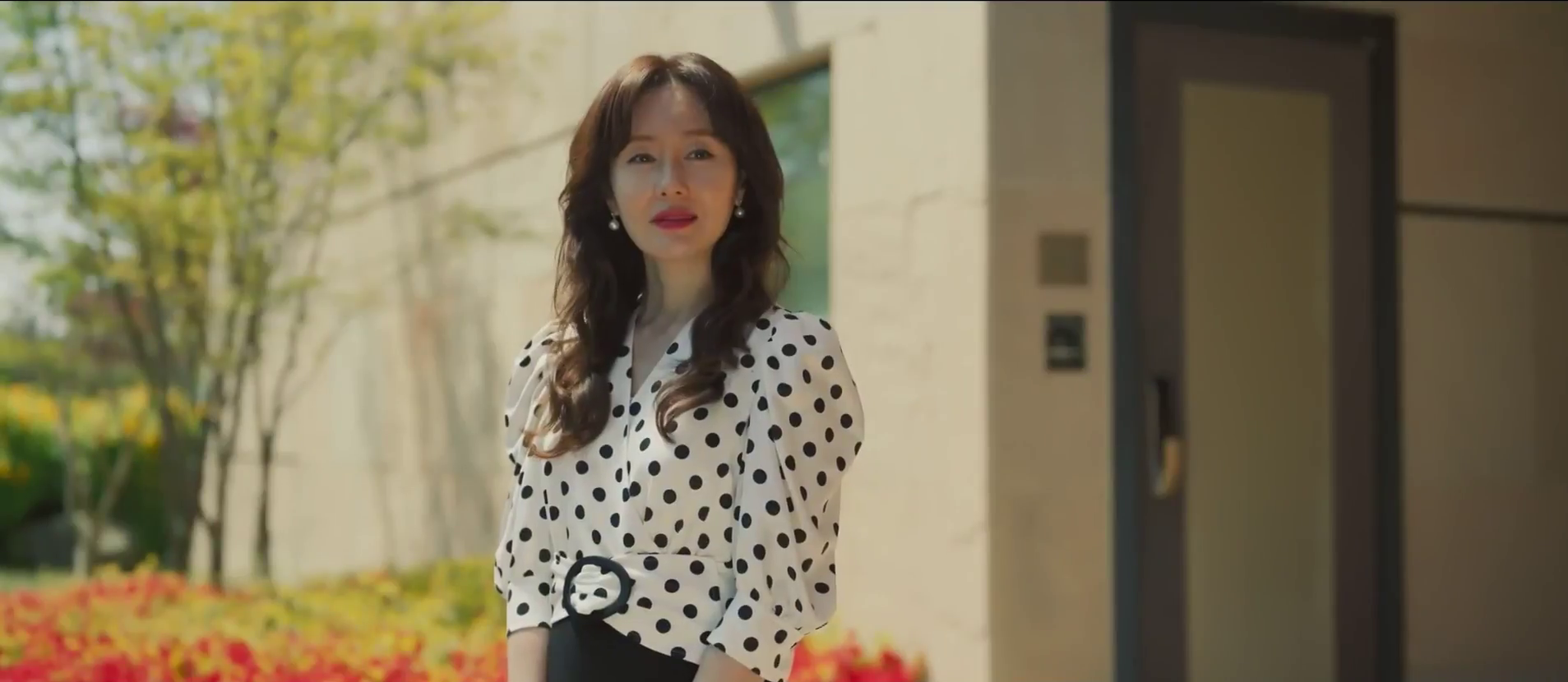High Class Kdrama Review: Who's the Mystery Sender?